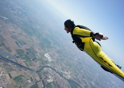 2014/10/wingsuit10-480x340.jpg