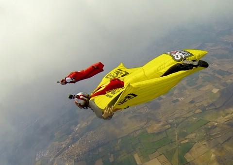 2014/10/wingsuit7-480x340.jpg