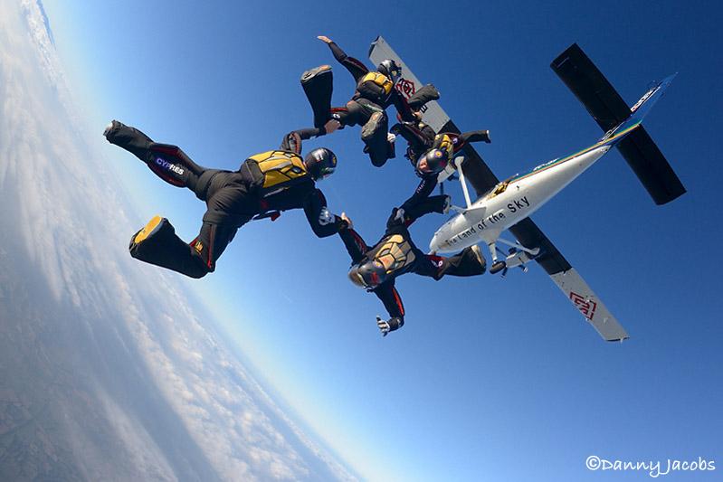 paracaidismo-Hayabusa20141101DannyJacobs1981.jpg