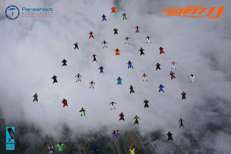 WingsuitWorldRecord42WayDiamond-2.jpg