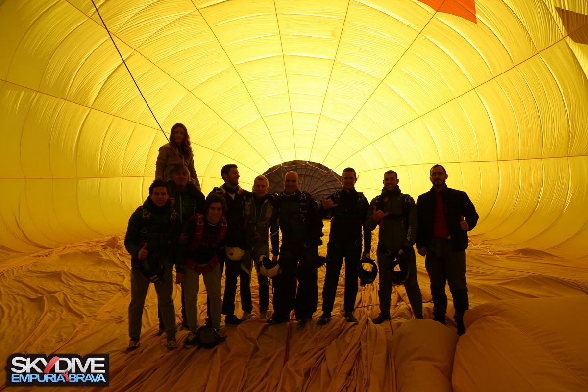 Balloon-jump-Xmas-Fest-2016-27.jpg