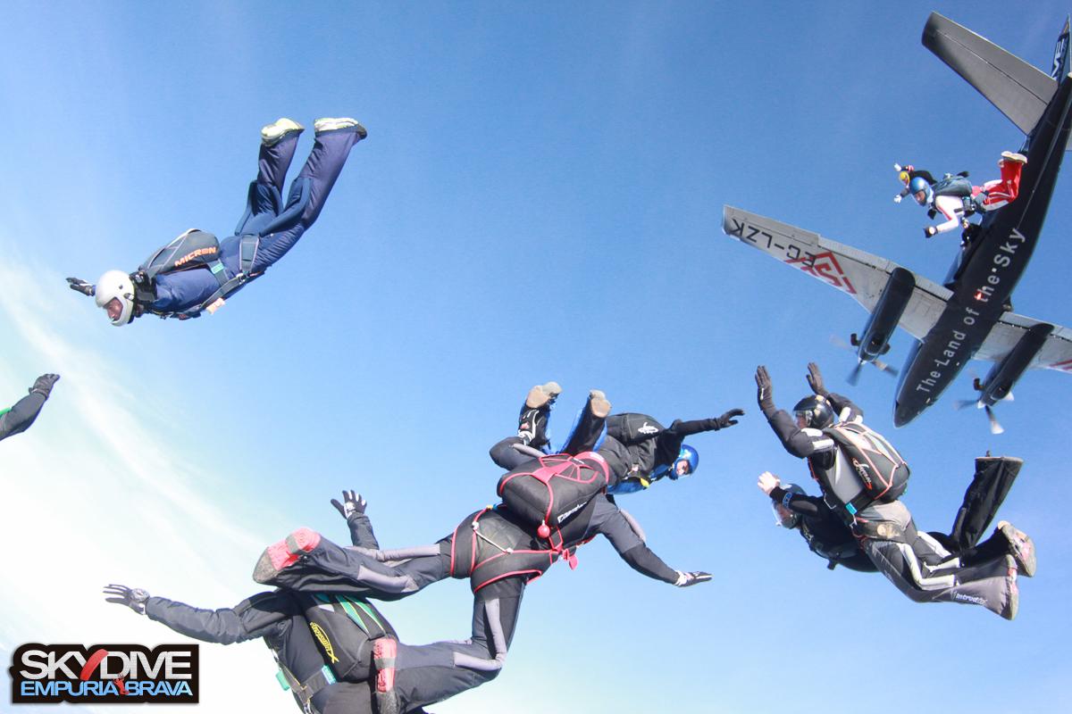 XMAS-FEST-2016-SKYDIVE-EMPURIABRAVA-10.jpg
