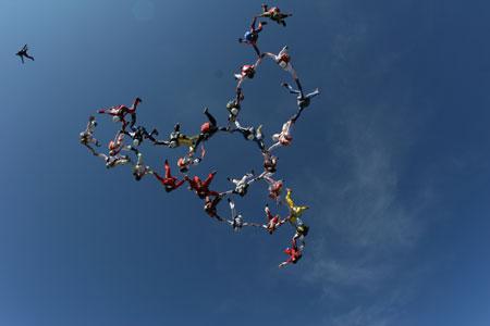 paracaidismo--Euro-Record-28-Way.jpg
