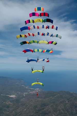 paracaidismo--tn_CF-26-Way-Photo-Gustavo-Cabana.jpg