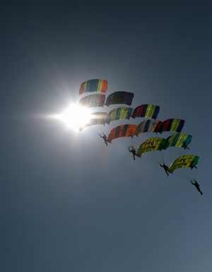 paracaidismo--tn_crw-05-D1-V-Van-Laethem-2M.jpg
