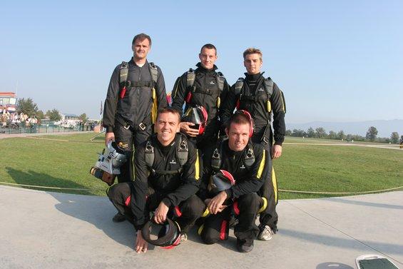 paracaidismo--aabelgium-army.JPG