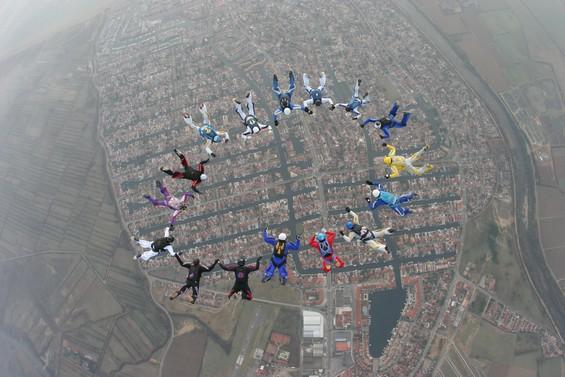 paracaidismo--989vi.JPG
