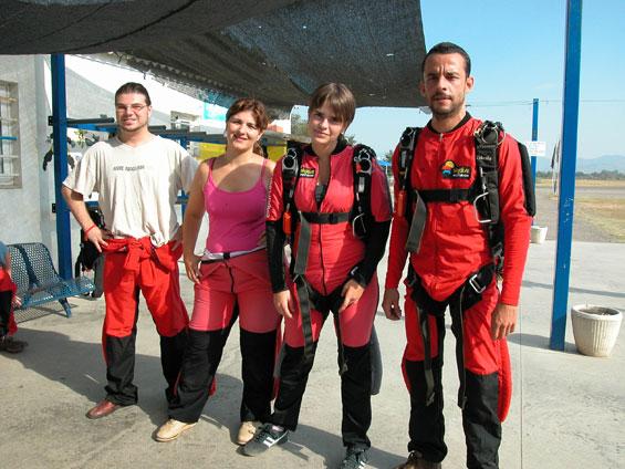 paracaidismo--30-jul-06-esp.jpg