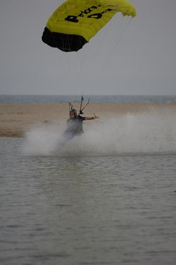 paracaidismo--beach_boogie_06_by_guscabana-(1).jpg