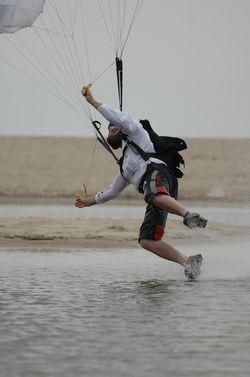 paracaidismo--beach_boogie_06_by_guscabana-(17).jpg