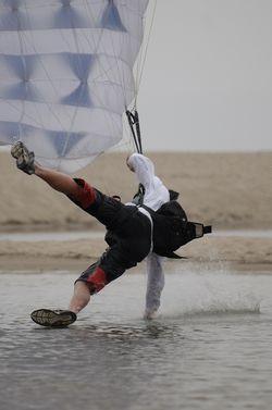 paracaidismo--beach_boogie_06_by_guscabana-(18).jpg