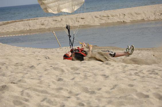 paracaidismo--beach_boogie_06_by_guscabana-(46).jpg