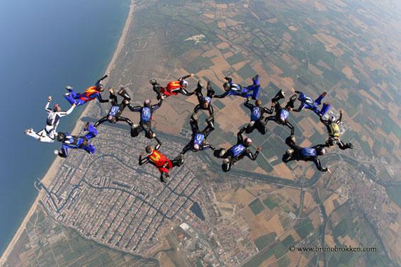 paracaidismo--bruno-12-jul-06.jpg