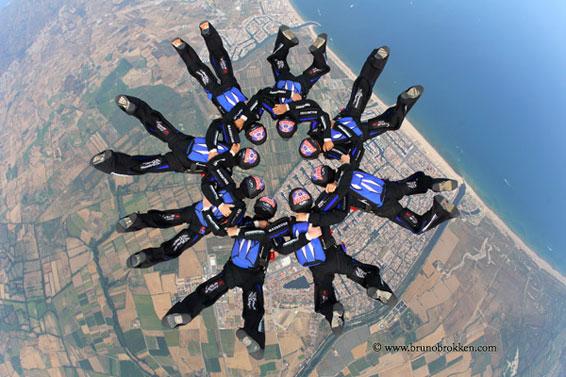 paracaidismo--bruno-equip-frances-12-jul-.jpg