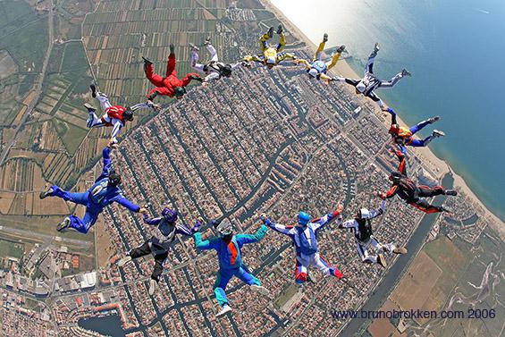 paracaidismo--juny-06-Camera-crew-2006.jpg