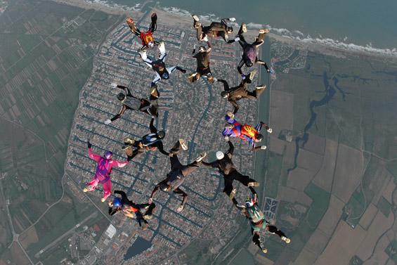 paracaidismo--airspeed_ch_06_gus_27_9_06-(1).jpg