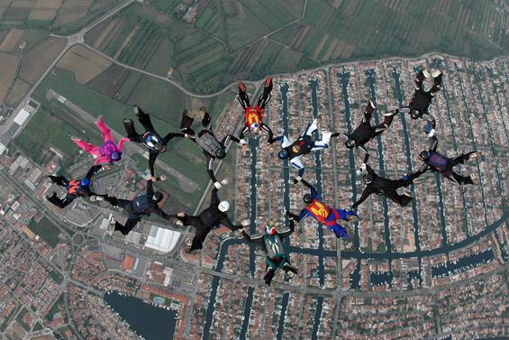 paracaidismo--airspeed_ch_06_gus_27_9_06-(2).jpg