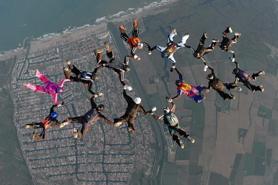 paracaidismo--airspeed_ch_06_gus_27_9_06.jpg