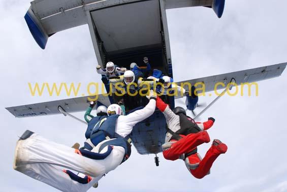 paracaidismo--2-01-2007_by_gustavo_cabana-(2).jpg