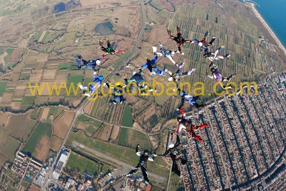 paracaidismo--2-01-2007_by_gustavo_cabana-(29).jpg
