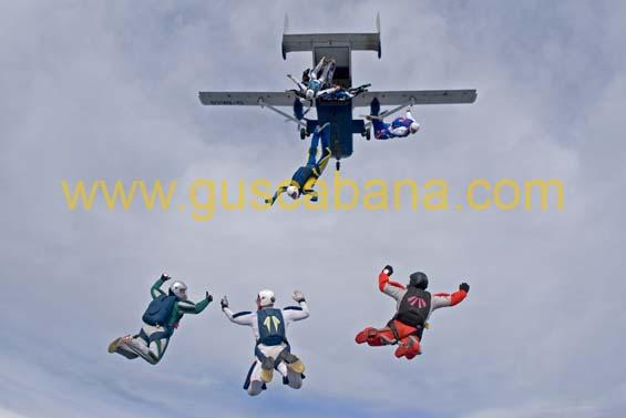 paracaidismo--2-01-2007_by_gustavo_cabana-(3).jpg