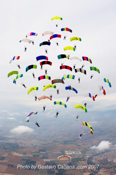 paracaidismo--07-5-31_139.JPG