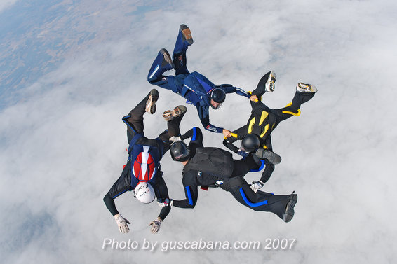 paracaidismo--Sabre-Team-08-by-Gustavo-Cabana-.JPG