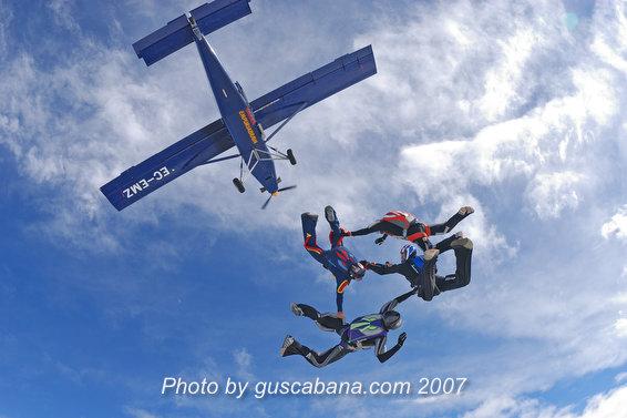 paracaidismo--Stiletto-Team-01-by-Gustavo-Cabana-.JPG