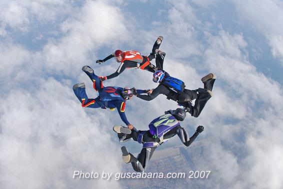 paracaidismo--Stiletto-Team-02-by-Gustavo-Cabana-.JPG
