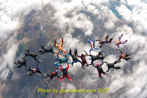 paracaidismo--021007_airsp_chall_gus.JPG