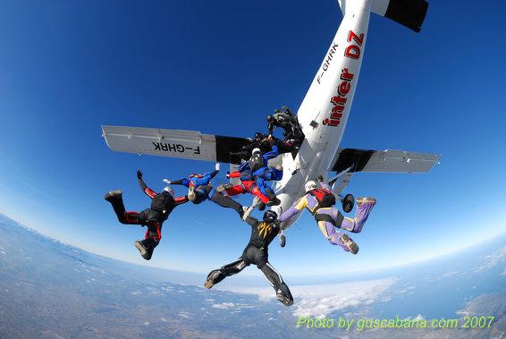 paracaidismo--08-01-01_1454.JPG