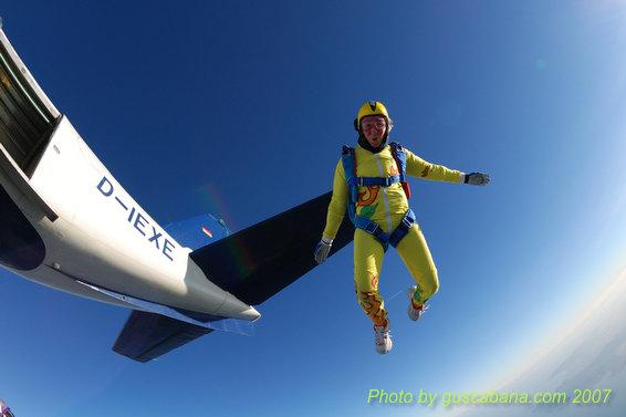paracaidismo--08-01-01_1494.JPG