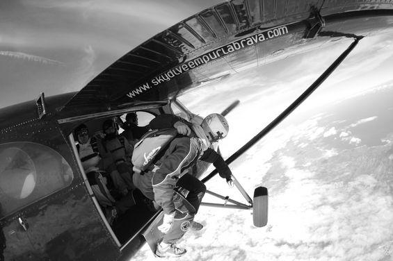 paracaidismo--By_Mike_Burdon_080310-(10).jpg