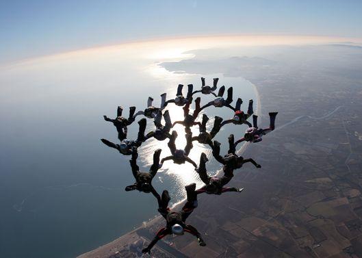 paracaidismo--xmas082512_milko_by_vincent_van_laethem-(2).jpg