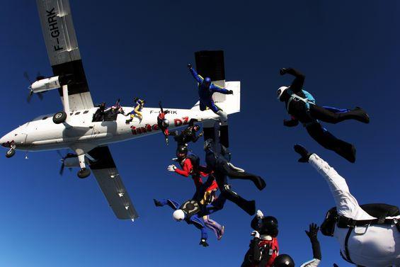 paracaidismo--xmas082512_milko_by_vincent_van_laethem.jpg