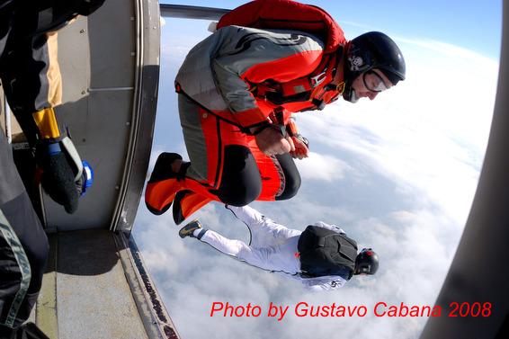 paracaidismo--08-05-06_063.JPG