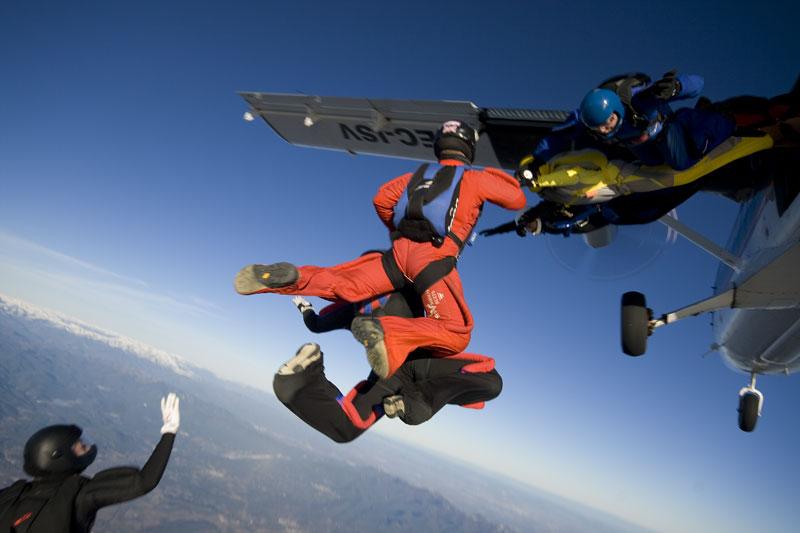 paracaidismo--221208byProject41.jpg
