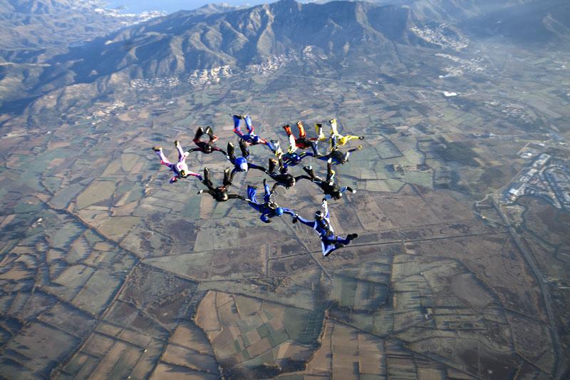 paracaidismo--231208byProject41-(1).jpg