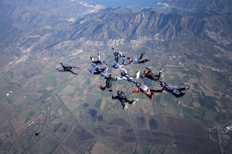 paracaidismo--ChristmasBoogie2008ByProject41090104-(2).jpg