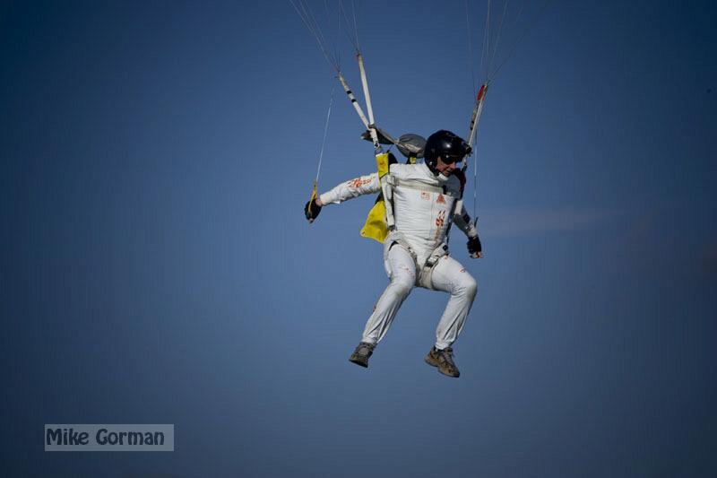 paracaidismo--xmasBoogie08ByMikeGorman-(17).jpg