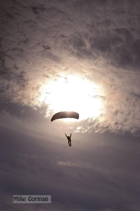 paracaidismo--xmasBoogie08ByMikeGorman-(31).jpg