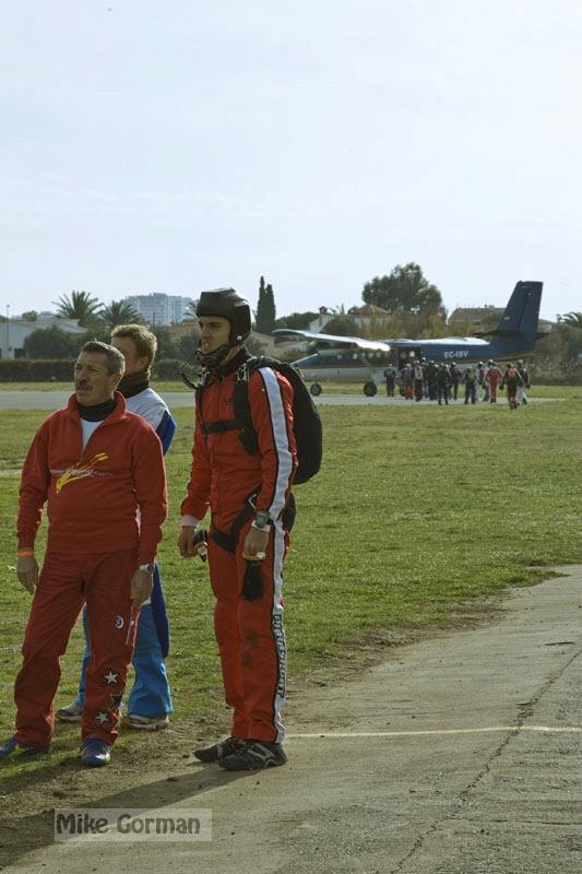 paracaidismo--xmasBoogie08ByMikeGorman-(41).jpg