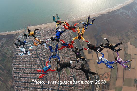 paracaidismo--xmasBoogieByGusCabana081231-(14).JPG