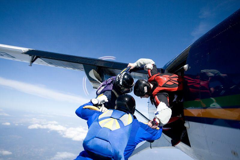 paracaidismo--tn_easterBoogie949Project41-(11).jpg