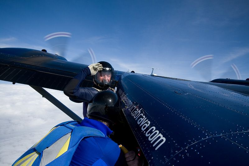 paracaidismo--tn_easterBoogie949Project41-(2).jpg