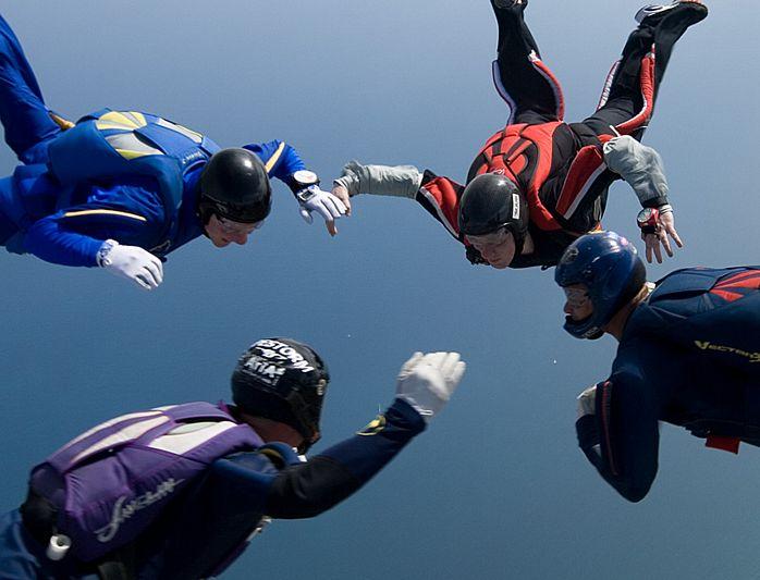 paracaidismo--tn_easterBoogie949Project41-(23).jpg