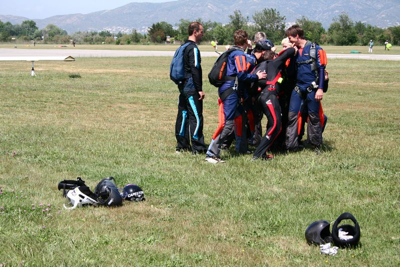 paracaidismo--tn_ByMattFog2359HotWeekender-(1).JPG