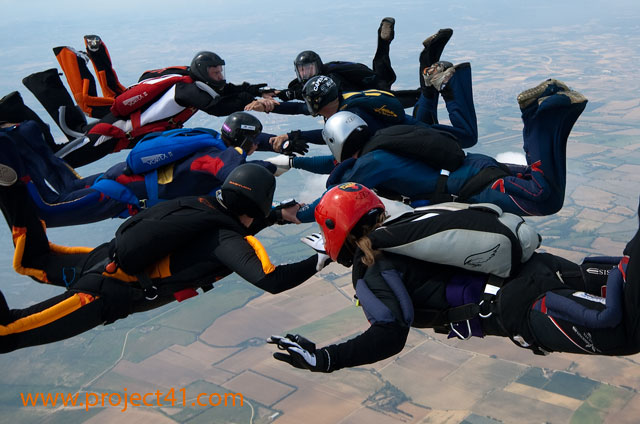 paracaidismo--hotWeekenderByProject41169-(10).jpg