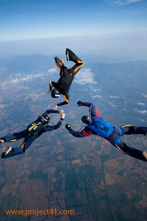 paracaidismo--hotWeekenderByProject41169-(14).jpg