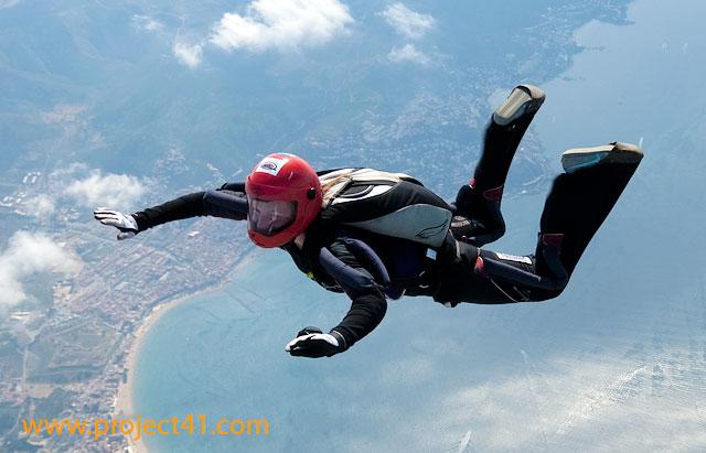 paracaidismo--hotWeekenderByProject41169-(4).jpg